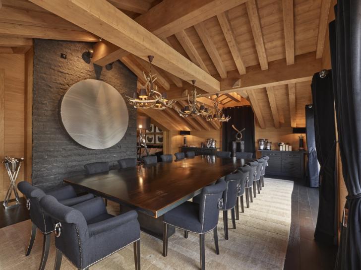 Eleganti tavoli di design in legno e ferro tra arte e for Tavoli di design in ferro